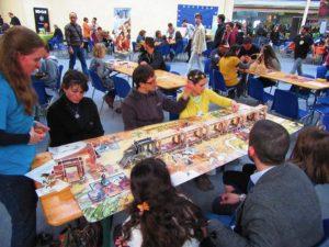 jeu surdimensionné Colt Express pendant le Festival du jeu de Valence 2016